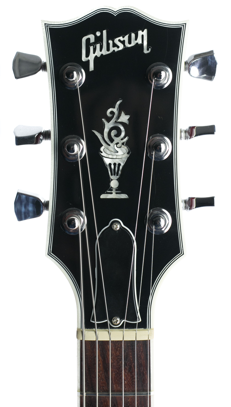2014 Gibson Les Paul Classic Custom LE Wine Red detail 4