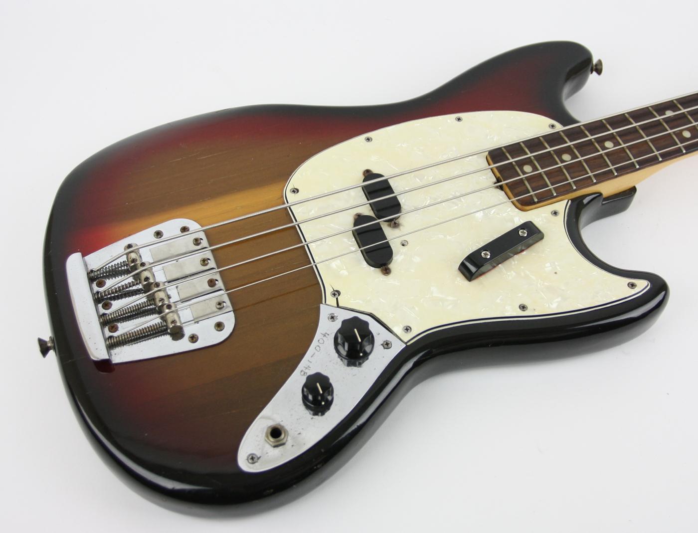 1974 Fender Mustang Bass Sunburst detail 1