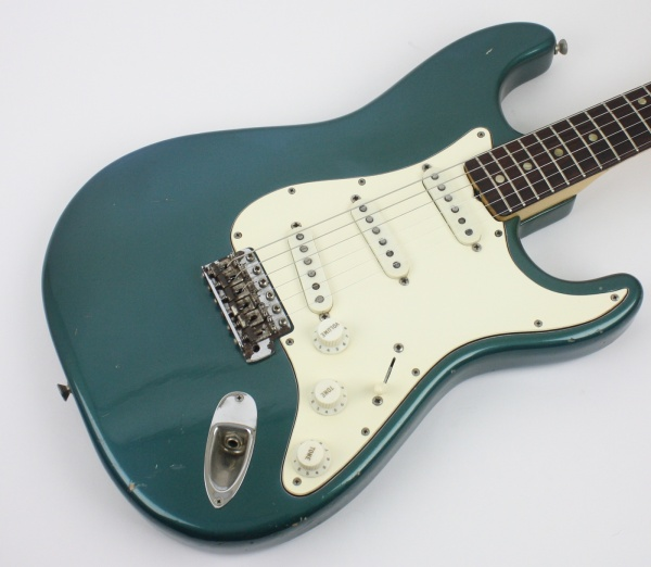 1969 Fender Stratocaster Lake Placid Blue detail 1